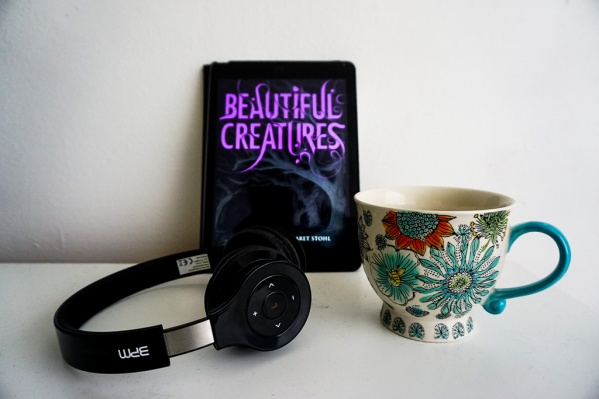 Book Review: Beautiful Creatures