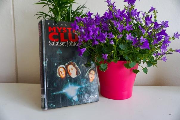 Fiona Kelly Mystery Club Secret Clues book